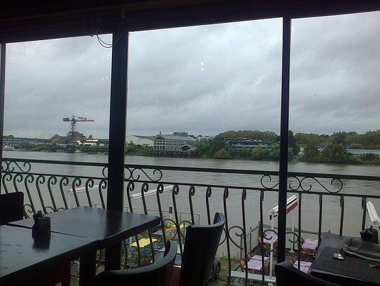 Reze, Francia: vue panoramique de l'étage du restaurant