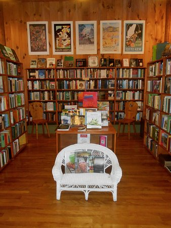 Newfane, VT: Wonderful books for children of all ages.