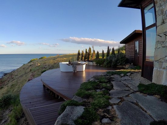 Orford, Австралия: Overlooking the Great Oyster Bay and Freycinet National Park in the distance