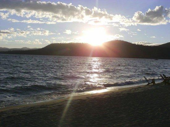 Hyatt Regency Lake Tahoe Resort, Spa and Casino: Sunset dinner at Lone Eagle