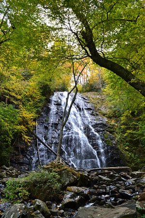 Burnsville, Carolina del Norte: One more view of the falls
