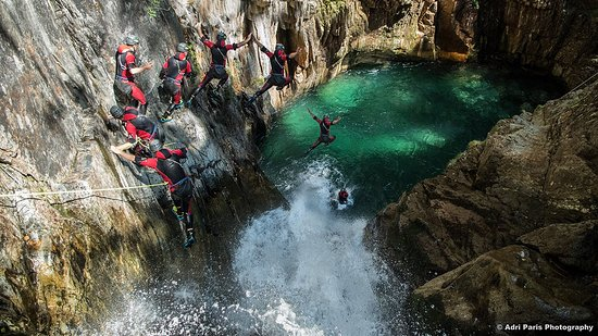 Speleo Canyon Ariege: Jump à l'Artigue