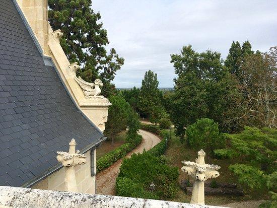 Plassac, Frankrike: More roof details