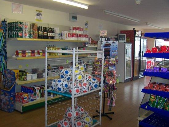 Borth, UK : shop