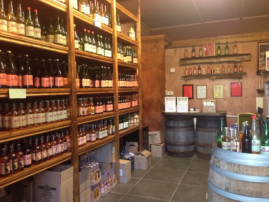 Ross-on-Wye, UK: Cider Tour and Tasting available and a great Cider Shop.