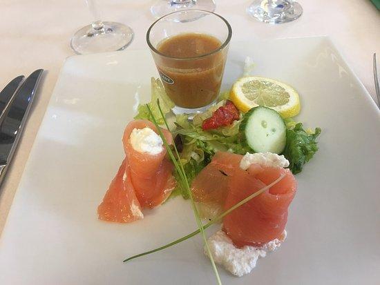 Le Bergerac: Belle entrée et présentation, saumon