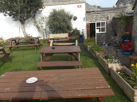 Langton Matravers, UK: Beer Garden