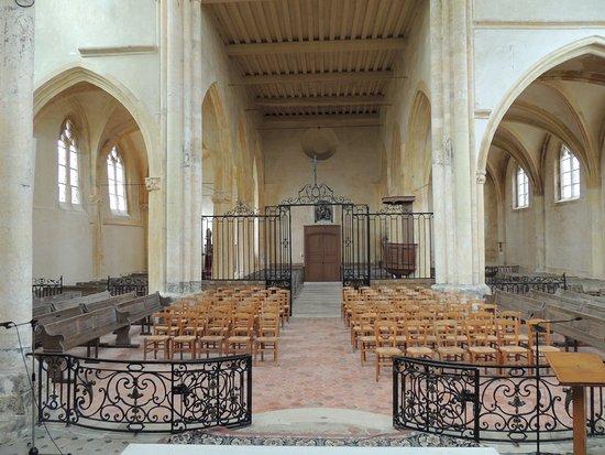 """Doue, فرنسا: les grilles ont été conservées ....malgré """" Vatican...."""" fermez le Ban !"""