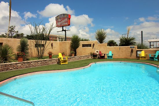 Alpine, TX: Our refreshing outdoor pool