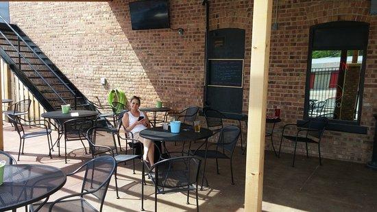 Bennington, NE: Beer garden