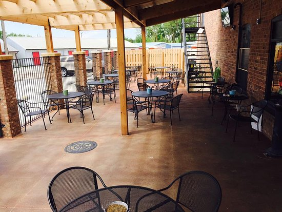 Bennington, Небраска: Beer Garden - Nice!