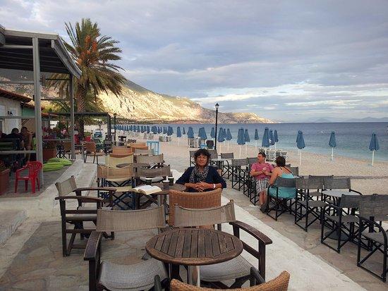 terrasse du bar plage photo de kinetta beach hotel kinetta tripadvisor. Black Bedroom Furniture Sets. Home Design Ideas