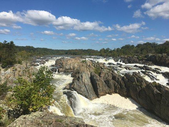McLean, VA: Great Falls in October 2016