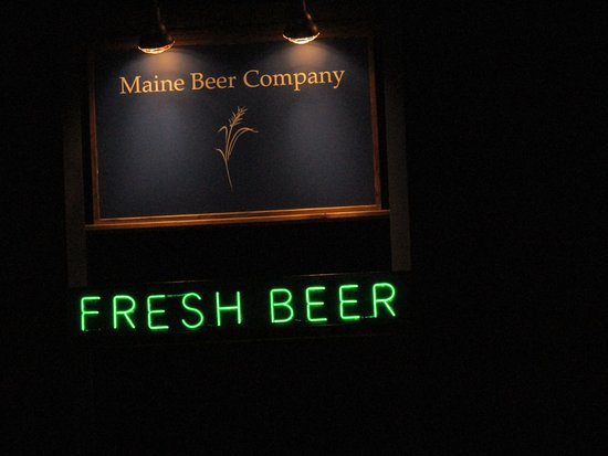 Freeport, ME: sign