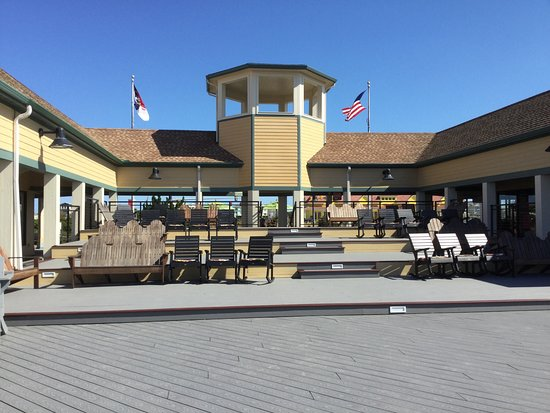 Tanger Outlets Nags Head: photo0.jpg