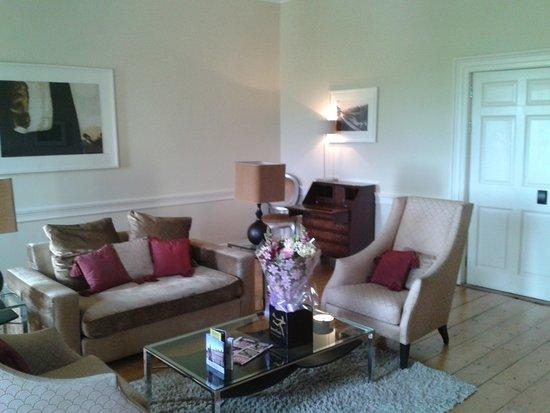 wohnzimmer der winter-suite - picture of carton house hotel & golf