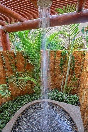 Troncones, Mexico: Tropical Garden Shower
