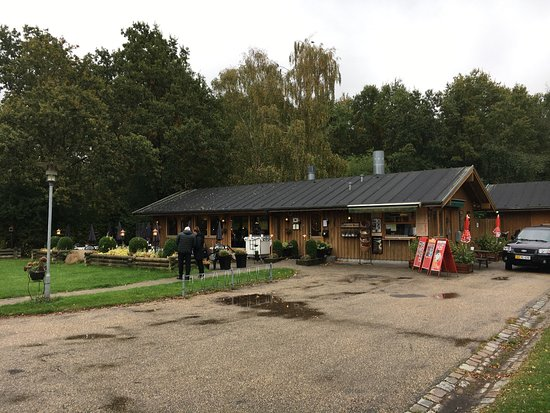 Vallensbaek Strand, Denmark: The restaurant Spisestedet Mosen