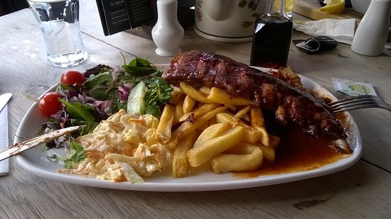 Chale, UK: Full rack of BBQ ribs - delicious