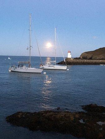 Coucher de soleil et lever de la pleine lune à Sauzon - Picture of on