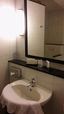 Badkamer (bijgebouw) - Bild von Van der Valk Hotel Cuijk - Nijmegen ...