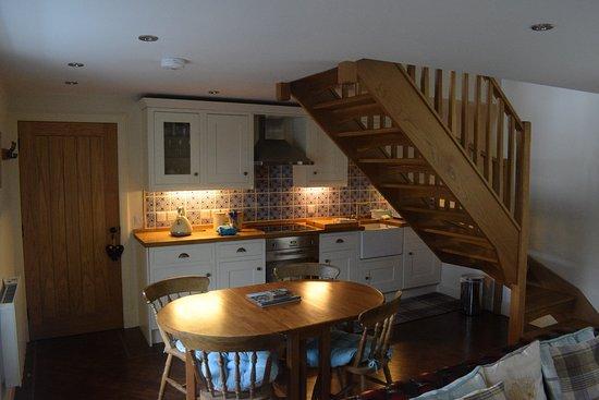 Beattock, UK: Bothy Dining/kitchen area