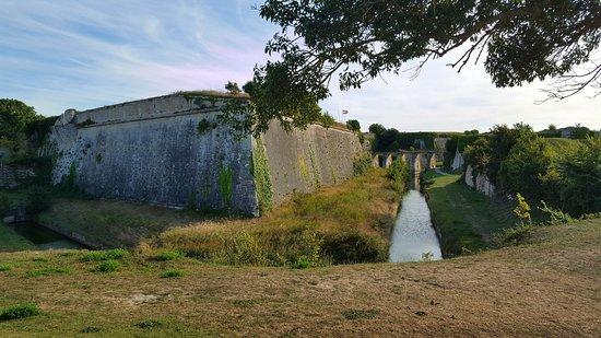Le Chateau d'Oleron, Francia: Enceinte extérieure 1