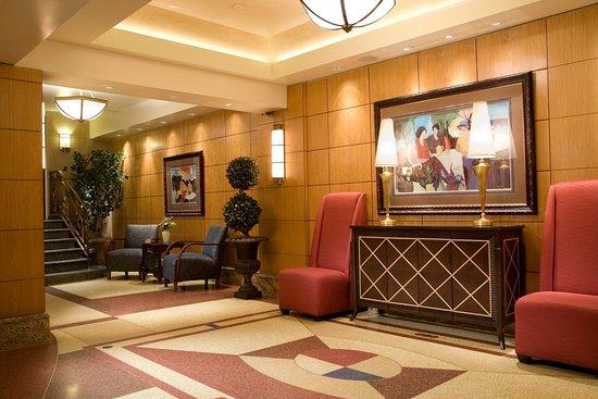The Belvedere: Lobby