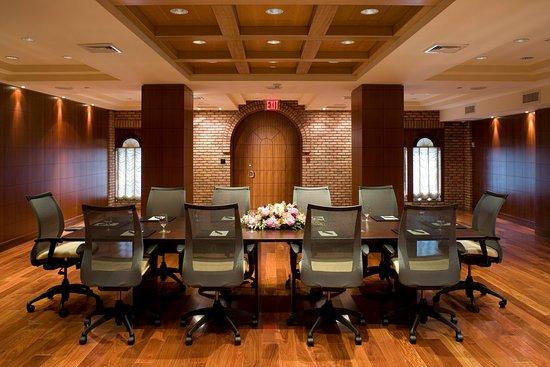 The Belvedere: Empire Executive Boardroom