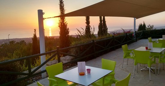 Tala, Chipre: View from veranda of sunset at the cafe