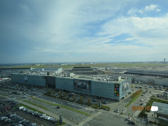 Hilton Copenhagen Airport: View over airport