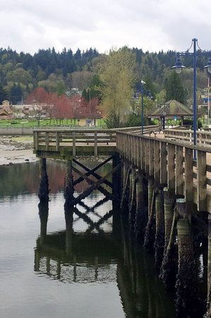 Port Moody, Kanada: Looking from the pier to Rocky Point Park