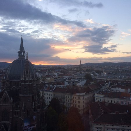 Hotel ibis Wien Mariahilf: View from 1204