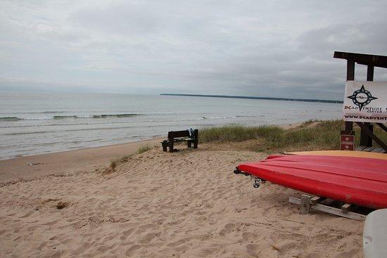 Sturgeon Bay, WI: Walking on sand