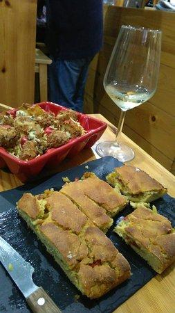 Tui, Hiszpania: Tapas e vinos