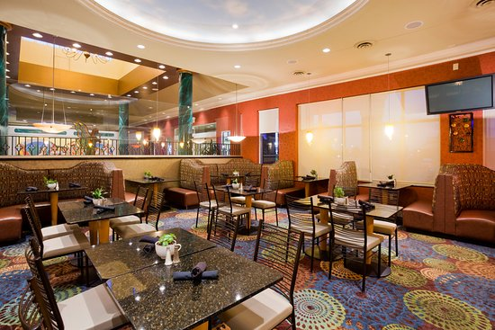Holiday Inn Hotel Suites Maple Grove Arbor Lakes Full Service Restaurant And Bar