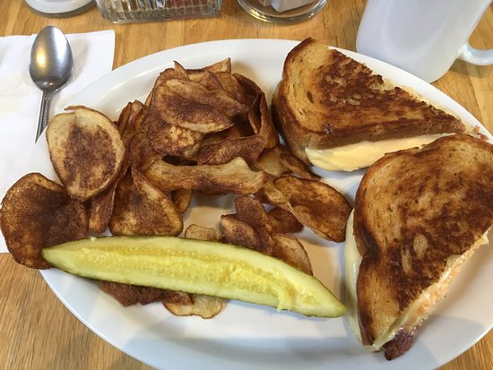 Whitehall, NY: Homemade Potato Chips, and Grilled Cheese