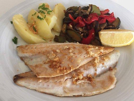 food lovers restaurante grill filetes de robalo filets of sea bass