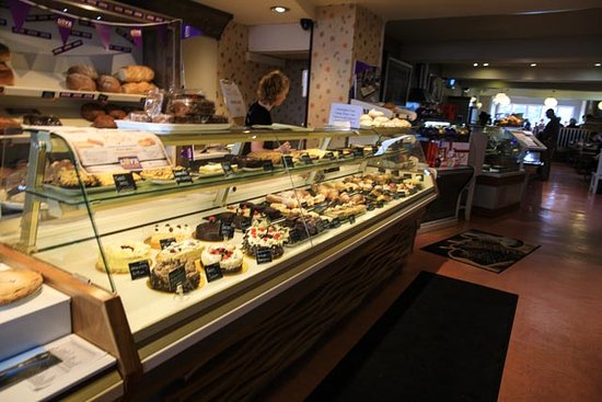 Walsh's Bakery and Coffee Shop: Cake Counter at Walsh's Bakery Clifden Co Galway