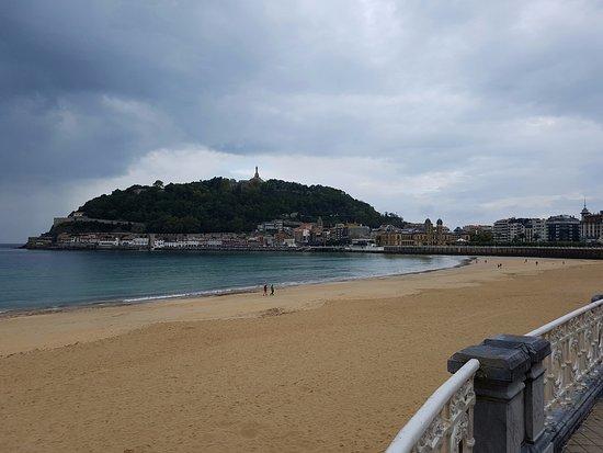 Hotel Niza: Strandlage, Aussicht vor dem Hotel