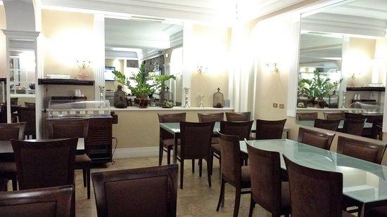 Hotel Martini Photo