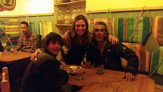 La Yerbatera Tapas Bar: amistades!