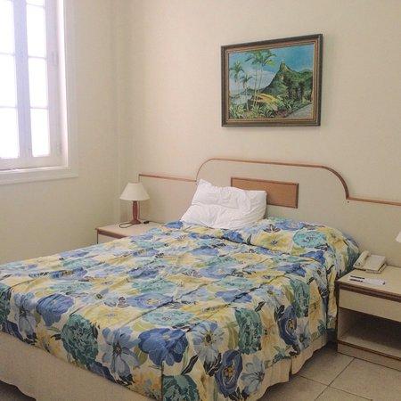 Augusto´s Paysandu Hotel: Hotel Augusto's Paysandu, quarto 306 e saguão. Out 2016.