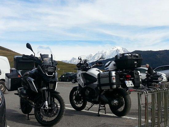 La Clusaz, Francia: Le mont blanc vu du col des Aravis