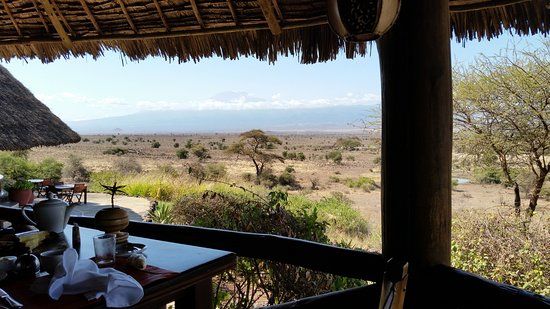 Tortilis Camp: View of Mt. Kilimanjaro from the dining area
