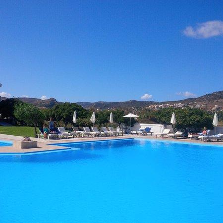 تشريسانا بيتش هوتل: Great pool