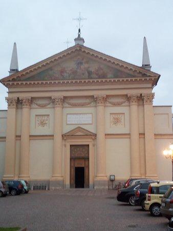 Frassineto Po, Włochy: La facciata