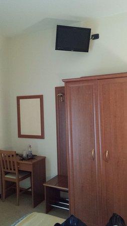 Argentina Hotel: TV molto in alto