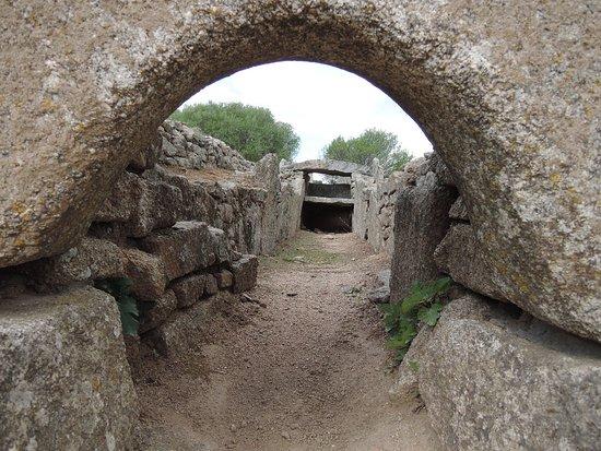 Li Lolghi : Inside of the tomb