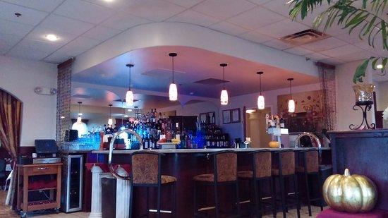 Wasilla, AK: Nice bar!!